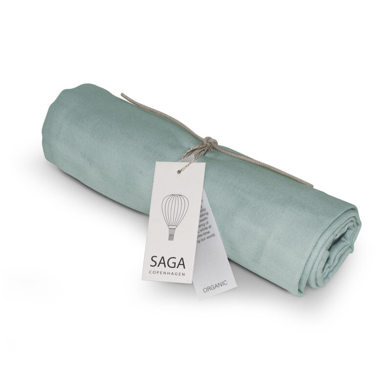 Saga Copenhagen - 100 x 100 cm sedziņa dūmakaini zaļā krāsā (Dusty mint)