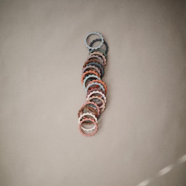 Mushie - silikona graužamās rokassprādzes / Rose/Blush/Shifting Sand