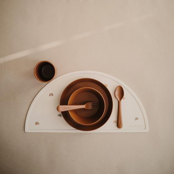 Mushie - galda piederumi / Caramel
