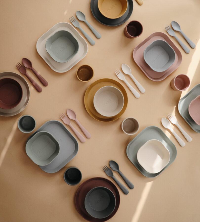 Mushie - galda piederumi / Woodchuck