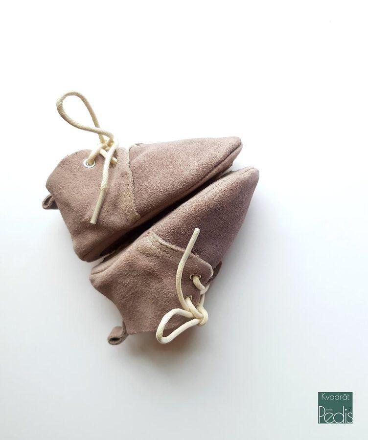 Oxforda tipa zamšādas zābaciņi - maigi violetā krāsā