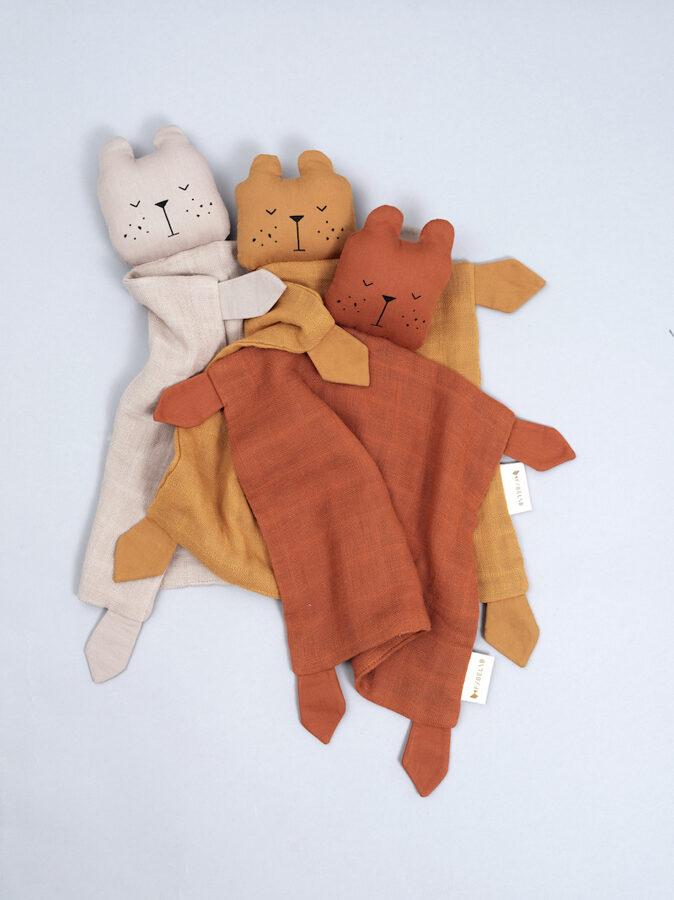 Mīļlupatiņa - Fabelab Bear Cinnamon (Lācis kanēļkrāsas)