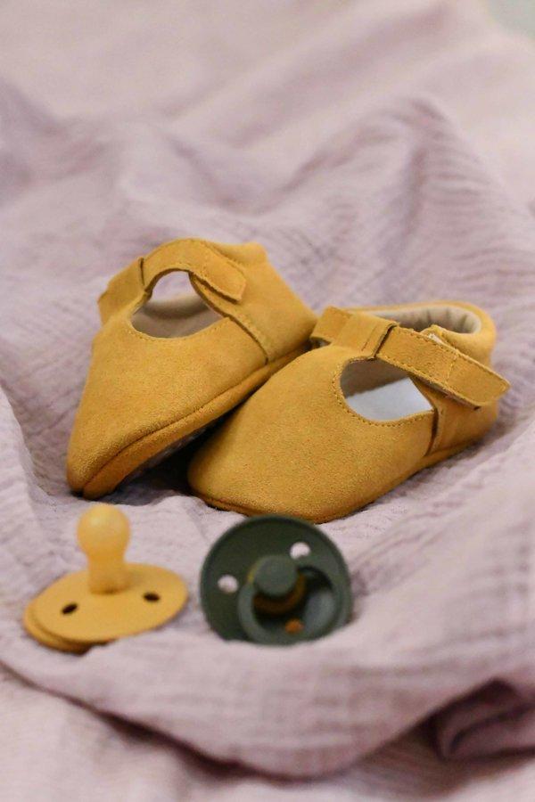 Zamšādas sandalītes - sinepju dzeltenā krāsā