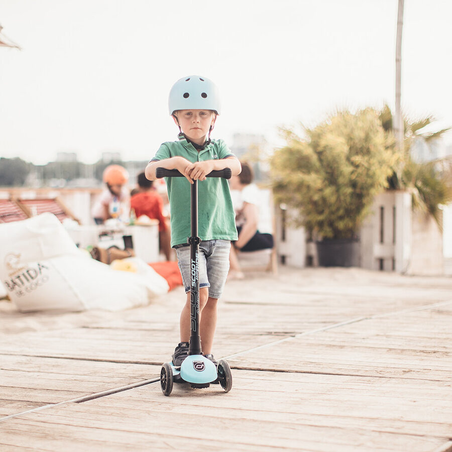 Scoot and Ride - Highwaykick 3 LED gaiši zils [Blueberry]