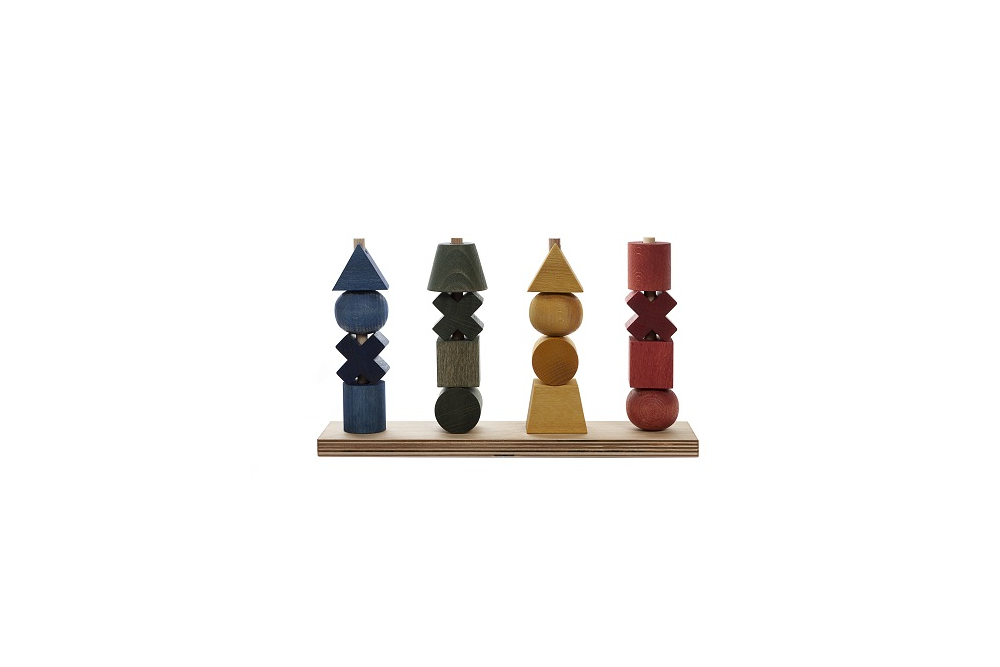 Wooden story krāsaina 4 posmu piramīda