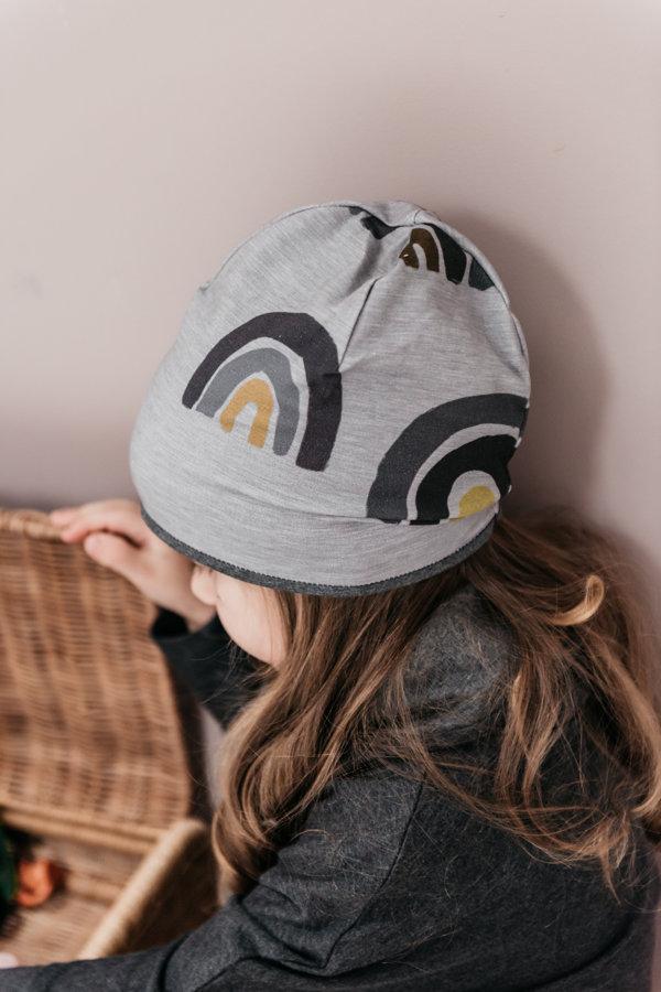 Beanie cepure - pelēkas varavīksnes